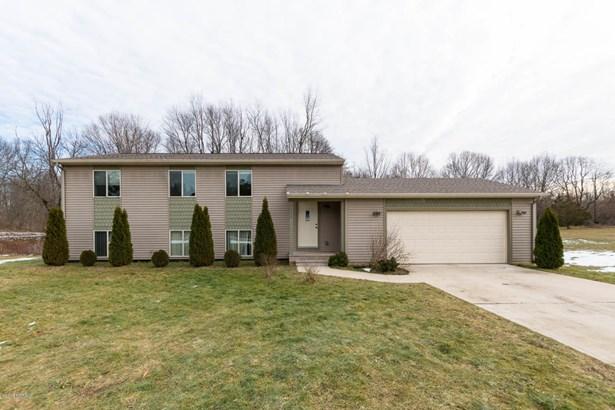 Single Family Residence, Bi-Level - Paw Paw, MI (photo 1)