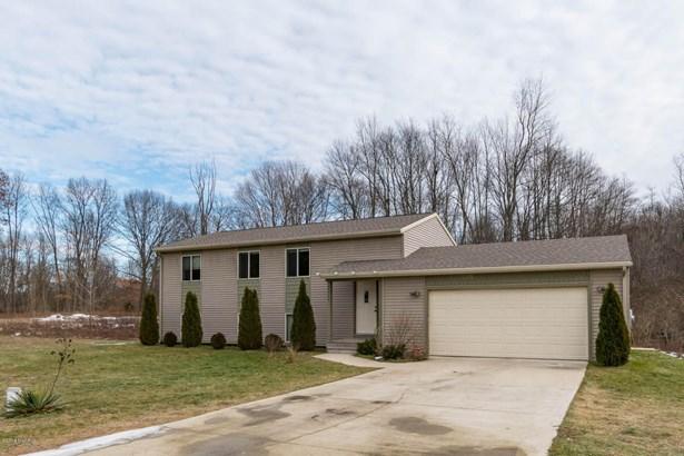 Single Family Residence, Bi-Level - Paw Paw, MI (photo 3)