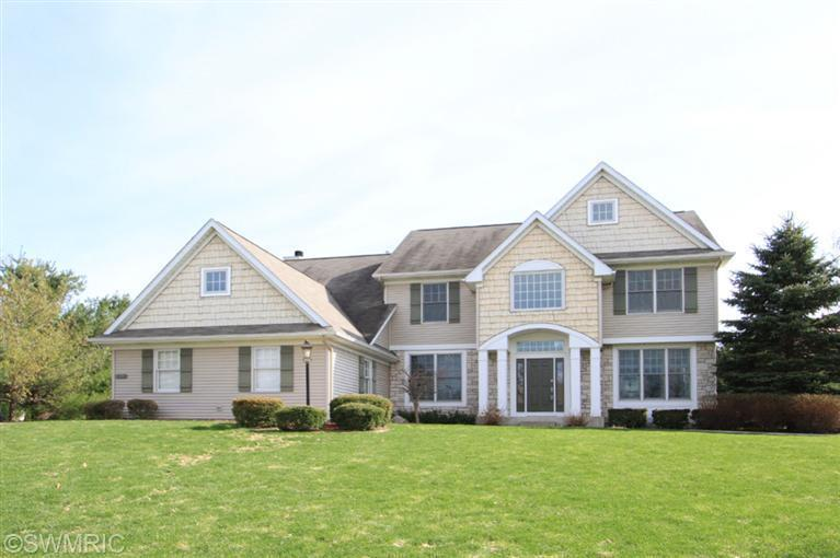 Single Family Residence, Traditional - Mattawan, MI (photo 3)