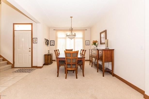 Single Family Residence, Traditional - St. Joseph, MI (photo 5)