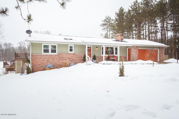 Single Family Residence, Ranch - Augusta, MI (photo 3)