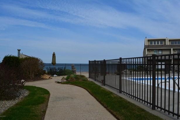 Condominium, Other - South Haven, MI (photo 4)
