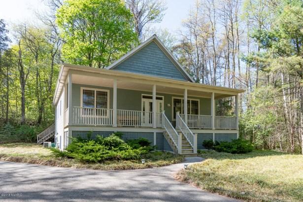 Cabin/Cottage, Single Family Residence - Fennville, MI (photo 1)