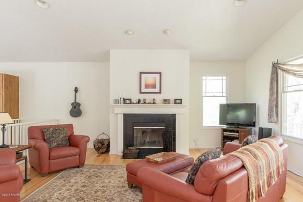 Cabin/Cottage, Single Family Residence - Fennville, MI (photo 4)