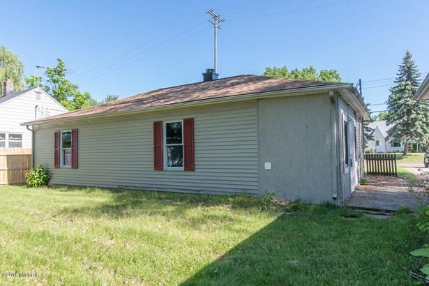 Single Family Residence, Ranch - Springfield, MI (photo 4)
