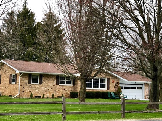 Single Family Residence, Ranch - Battle Creek, MI (photo 2)