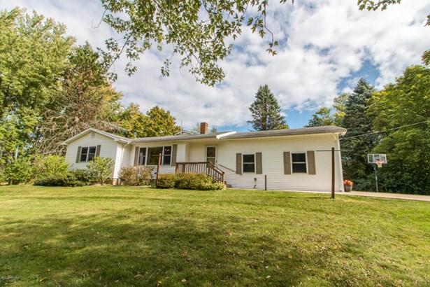 Single Family Residence, Ranch - Buchanan, MI (photo 2)