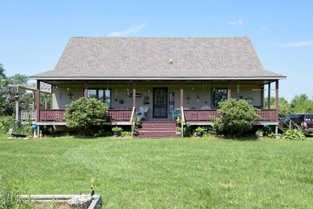Cape Cod, Single Family Residence - Hickory Corners, MI