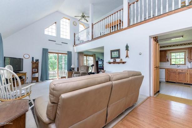 Cape Cod, Single Family Residence - Hickory Corners, MI (photo 3)