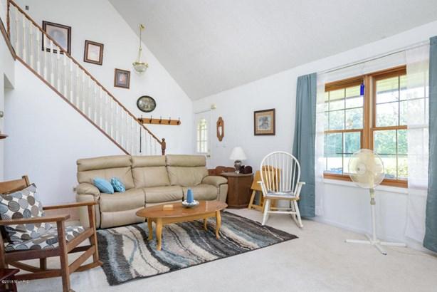 Cape Cod, Single Family Residence - Hickory Corners, MI (photo 5)