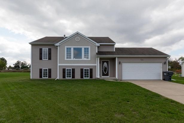 Single Family Residence, Bi-Level - Vicksburg, MI (photo 1)