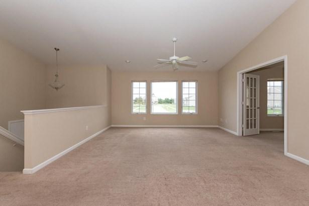 Single Family Residence, Bi-Level - Vicksburg, MI (photo 3)