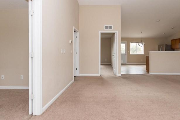 Single Family Residence, Bi-Level - Vicksburg, MI (photo 5)