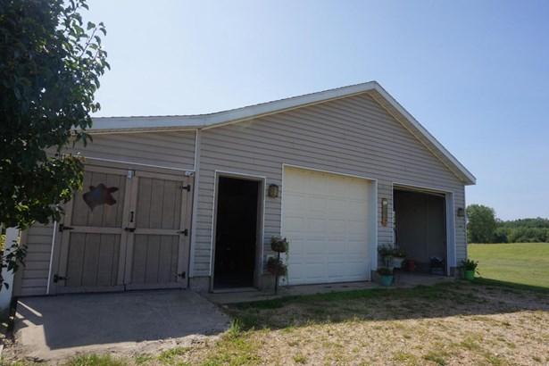 Single Family Residence, Ranch - Allegan, MI (photo 4)