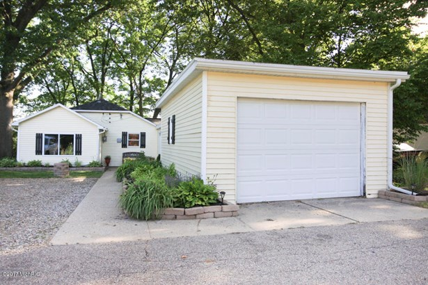 Single Family Residence, Ranch - Plainwell, MI (photo 2)