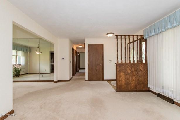Single Family Residence, Ranch - Battle Creek, MI (photo 5)