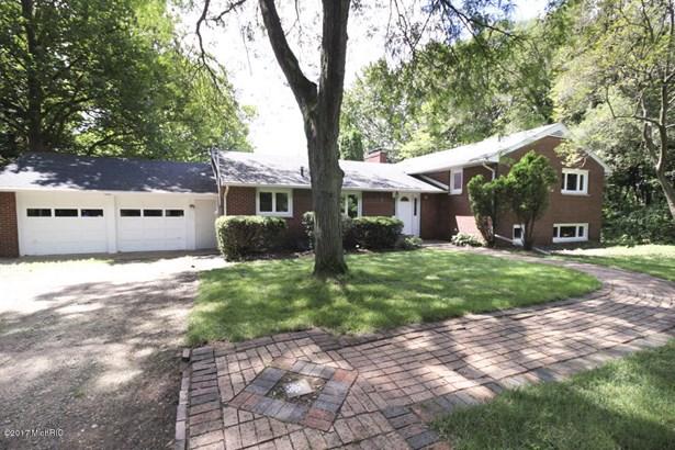 Single Family Residence, Quad Level - Portage, MI (photo 2)