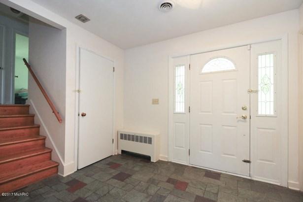Single Family Residence, Quad Level - Portage, MI (photo 3)