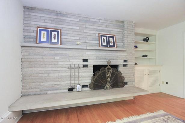 Single Family Residence, Quad Level - Portage, MI (photo 4)
