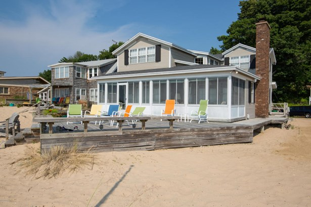 Cabin/Cottage, Single Family Residence - West Olive, MI