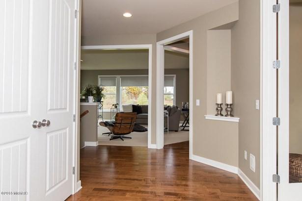 Single Family Residence, Traditional - Portage, MI (photo 2)