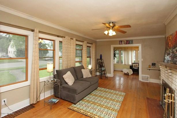 Single Family Residence, Traditional - Kalamazoo, MI (photo 3)