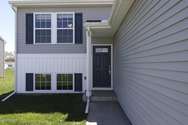 Single Family Residence, Bi-Level - Galesburg, MI (photo 2)