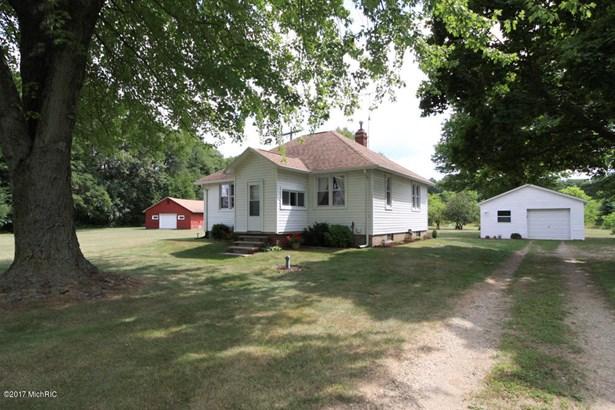 Single Family Residence, Ranch - Three Rivers, MI (photo 3)