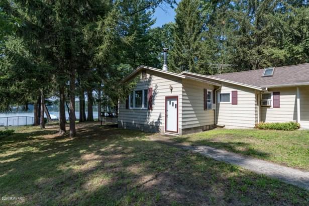 Cabin/Cottage, Single Family Residence - Pullman, MI (photo 2)