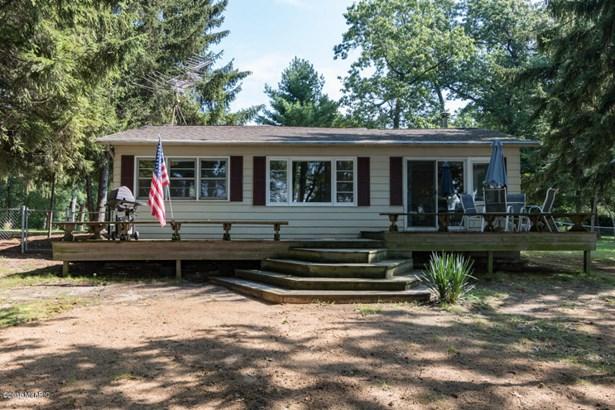 Cabin/Cottage, Single Family Residence - Pullman, MI (photo 4)