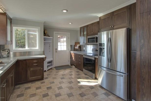 Chalet, Single Family Residence - Scotts, MI (photo 3)