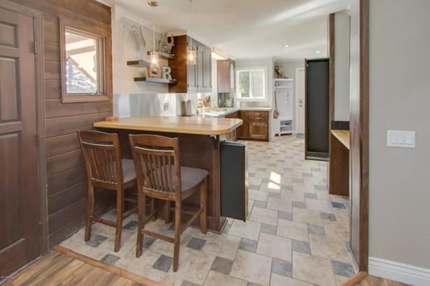 Chalet, Single Family Residence - Scotts, MI (photo 5)