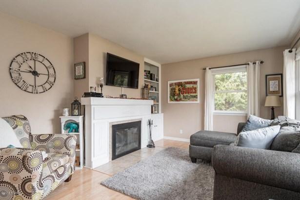 Single Family Residence, Ranch - Coloma, MI (photo 3)