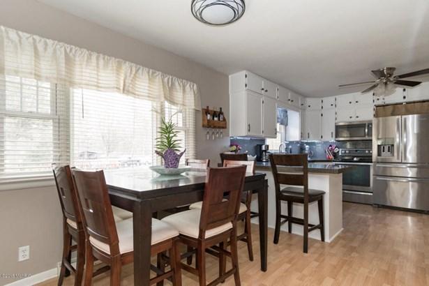 Single Family Residence, Ranch - Coloma, MI (photo 5)