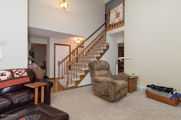 Single Family Residence, Traditional - Galesburg, MI (photo 5)