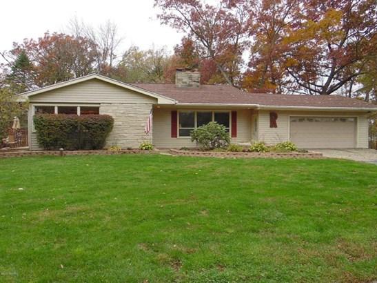 Single Family Residence, Quad Level - Marshall, MI (photo 1)