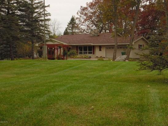 Single Family Residence, Quad Level - Marshall, MI (photo 3)