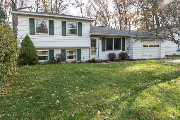 Tri-Level, Single Family Residence - Portage, MI (photo 1)