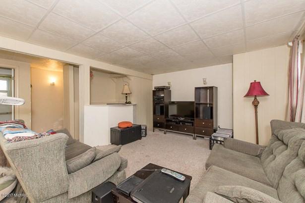 Tri-Level, Single Family Residence - Portage, MI (photo 4)