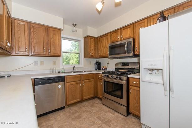 Single Family Residence, Ranch - Bellevue, MI (photo 5)