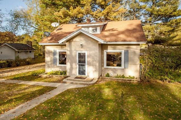 Single Family Residence, Traditional - Hickory Corners, MI (photo 2)