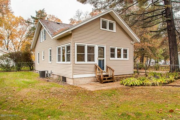 Single Family Residence, Traditional - Hickory Corners, MI (photo 4)