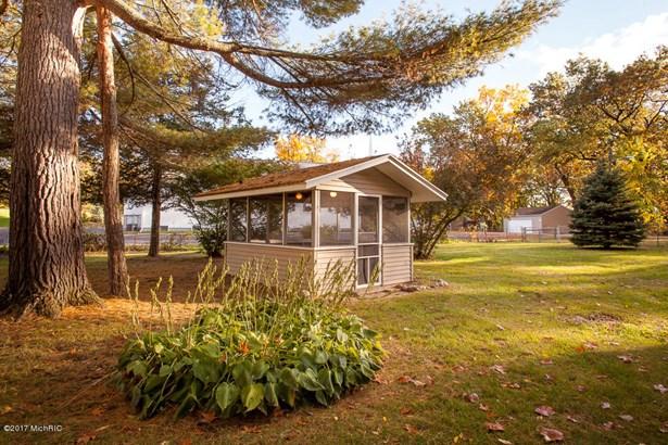 Single Family Residence, Traditional - Hickory Corners, MI (photo 5)