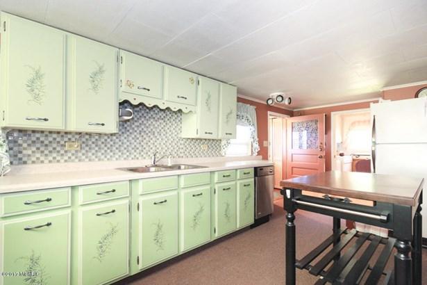 Cabin/Cottage, Single Family Residence - Lawton, MI (photo 4)