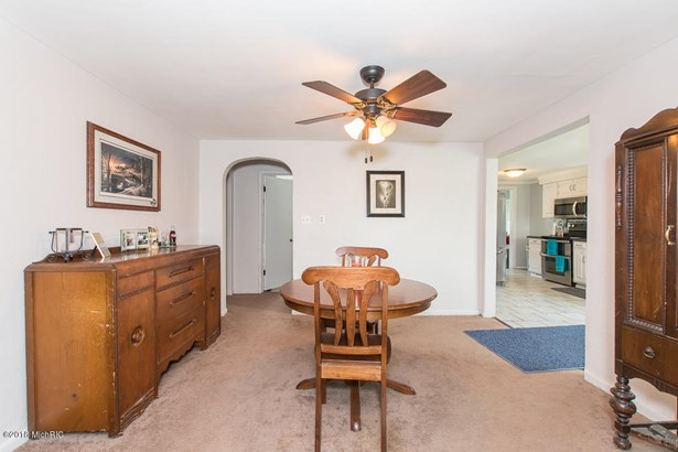 Single Family Residence, Ranch - Marshall, MI (photo 5)