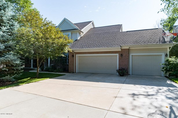 Single Family Residence, Traditional - Richland, MI (photo 3)