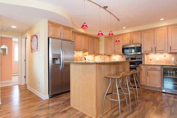 Condominium, Traditional - South Haven, MI (photo 4)