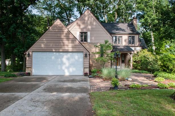 Tudor, Single Family Residence - Battle Creek, MI (photo 2)