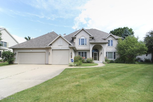 Single Family Residence, Contemporary - Portage, MI (photo 1)