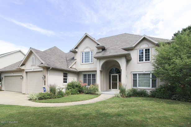Single Family Residence, Contemporary - Portage, MI (photo 2)